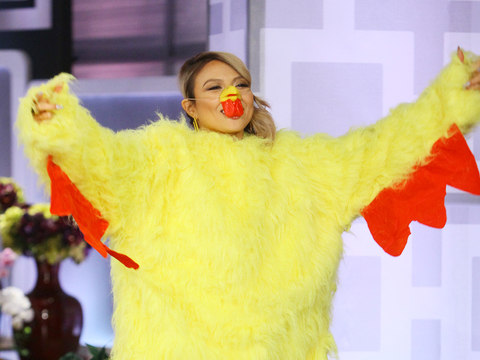 Web Exclusive: Jeannie on Her Chicken Dance Twitter Dare