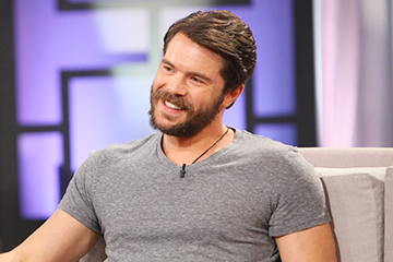Charlie Weber Is in the House!