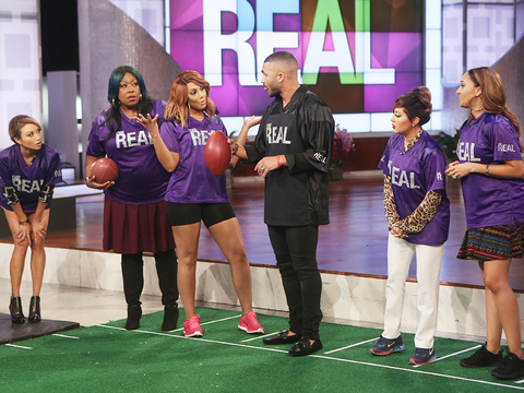 'The Real' Ladies Learn How to Play Football