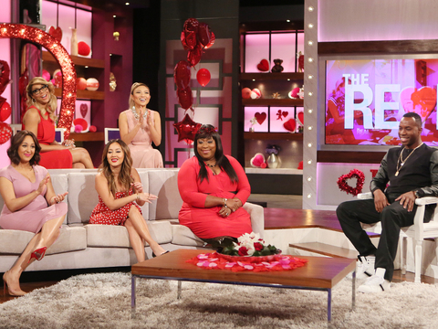 'The REAL' Ladies Hook Up Single Dad Garrick!