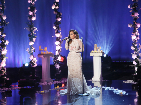 Adrienne Honors Selena with 'I Could Fall in Love' Performance