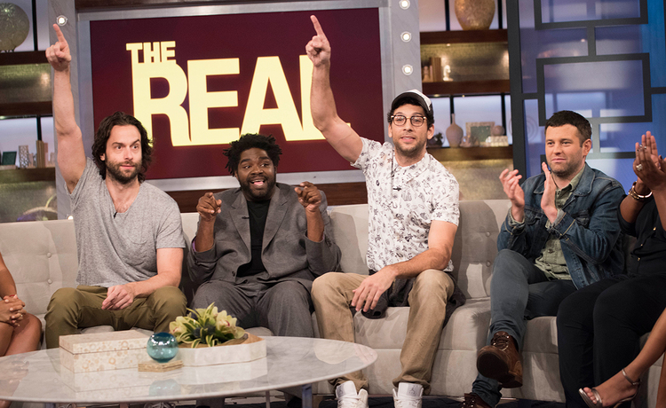 REAL Laughs with the Cast of 'Undateable'