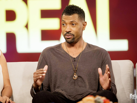 Deon Cole's Biggest Stage Bomb