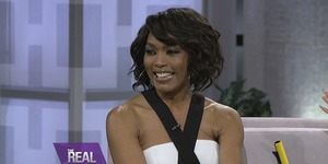 Angela Bassett Plays a Game of 'She Did That!'