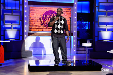 Loni's Laugh Off Winner Hits the Stage