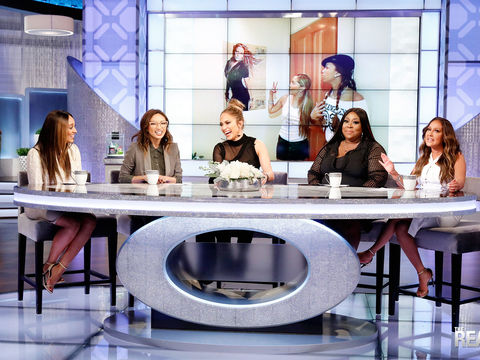 Girl Chat with Jennifer Lopez!