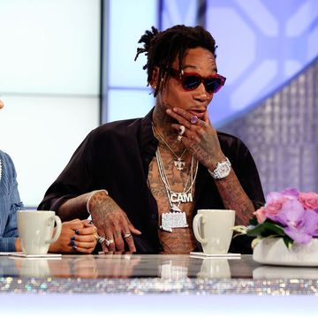 @WizKhalifa tell us why he prefers hanging with the ladies...the reason may…