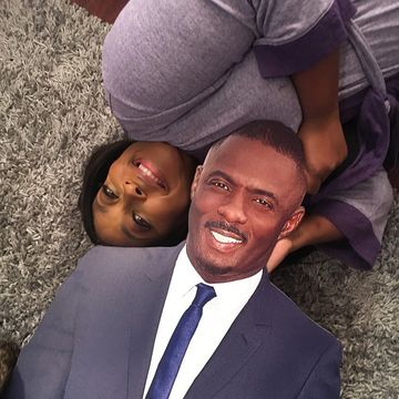 Happy birthday to @comiclonilove's #ManCrushEveryday @idriselba 🎈