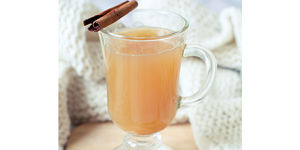 Get Your Fri-Yay on with an Apple Cider Ginger Punch!