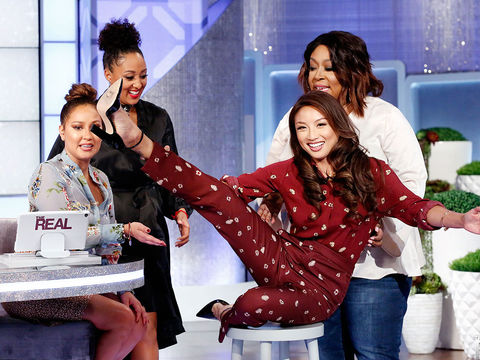 Adrienne Tries the Ariana Grande Stool Challenge