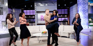 Derek Hough Dances the 'Cucaracha'