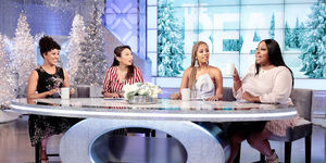 Which Host Did Loni give some Minty Advice to?