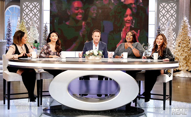 Loni Apologizes to Chris Harrison for Snatching 'The Real's' Emmy from Him
