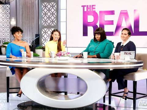 Loni's Dramatic Reading of Jeff Bezos' 'Racy' Texts
