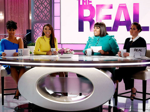 "Loni's Dramatic Reading of Jeff Bezos' ""Racy"" Texts"