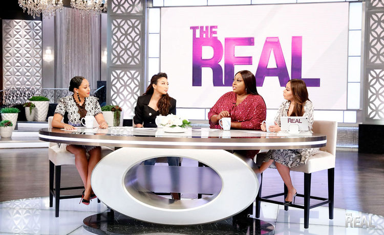 """Loni Has Some Surprising Truths To Share About """"Fat Shaming"""" On An Airplane"""