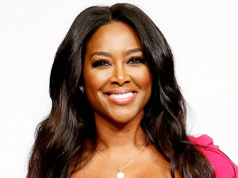 Kenya Moore Recalls Confronting Woman Who Allegedly Texted Husband!
