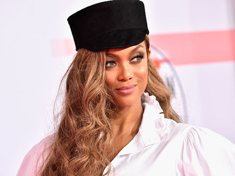 Tyra Banks Returns to Sports Illustrated Swimsuit Issue Cover