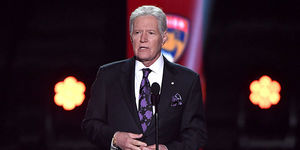 Celebs Pay Tribute to Alex Trebek After Passing