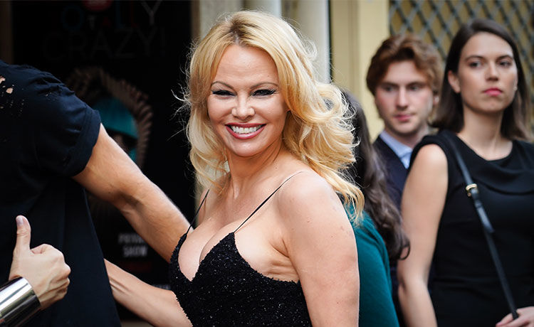 Pamela Anderson Splits from Jon Peters 12 Days After Wedding