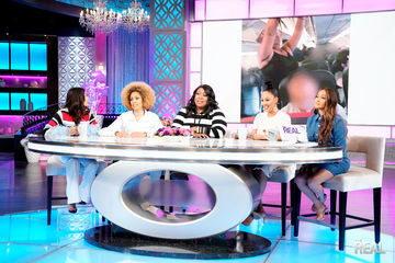 Jeannie Has a 'Hair Raising' Story About Losing One of Her Extensions On a…