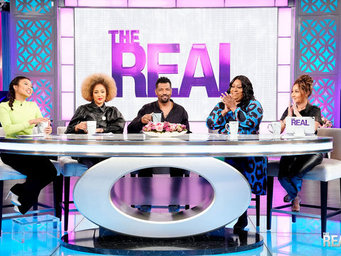 PART TWO: Deon Cole Shares His Thoughts on His Bell-Bottom Backlash