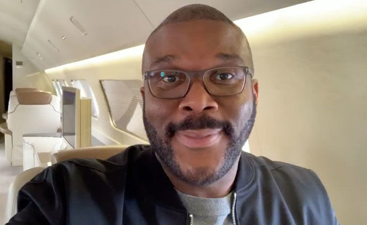 Tyler Perry Buys Groceries for Senior Citizens at 73 Stores!