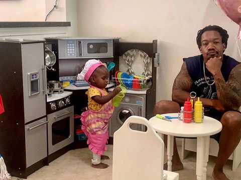Dad Goes Viral with Hilarious Review of 18-Month-Old Daughter's Restaurant!