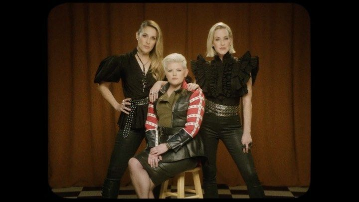 Dixie Chicks Change Name After Criticism