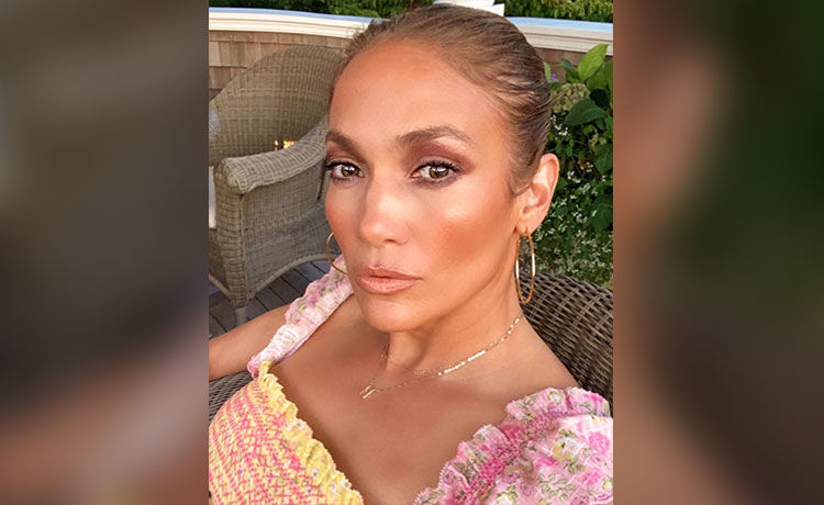 Jennifer Lopez Is Launching Her Own Makeup and Skin Care Line!