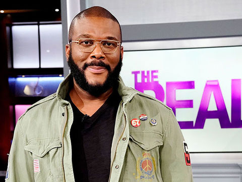 Tyler Perry Donates 5,000 Meals to Deserving Atlanta Families