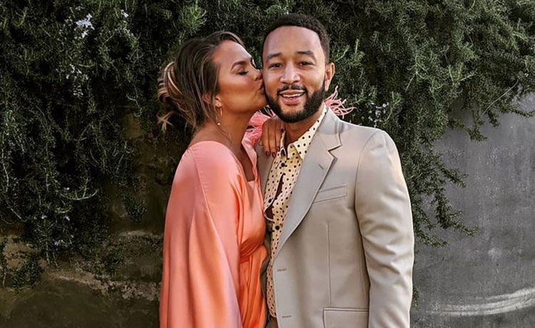 John Legend Dedicates BBMAs Performance to Wife Chrissy Teigen After Pregnancy Loss