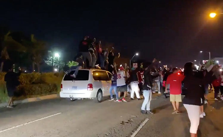 Maskless Fans Celebrate Buccaneers Super Bowl Win in Tampa Streets