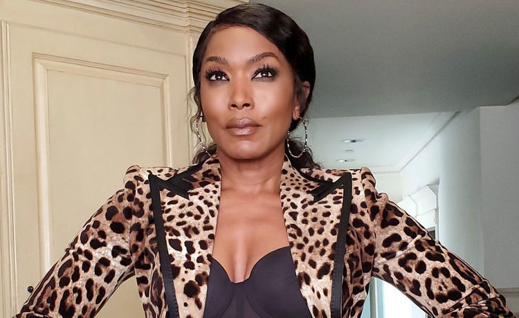 Angela Bassett Got the COVID-19 Vaccine!