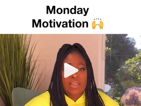 MONDAY MOTIVATION! Loni coming through with the lesson. 🙌 @comiclonilove