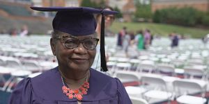 THIS 78-Year-Old Great-Grandmother Just Graduated from College!